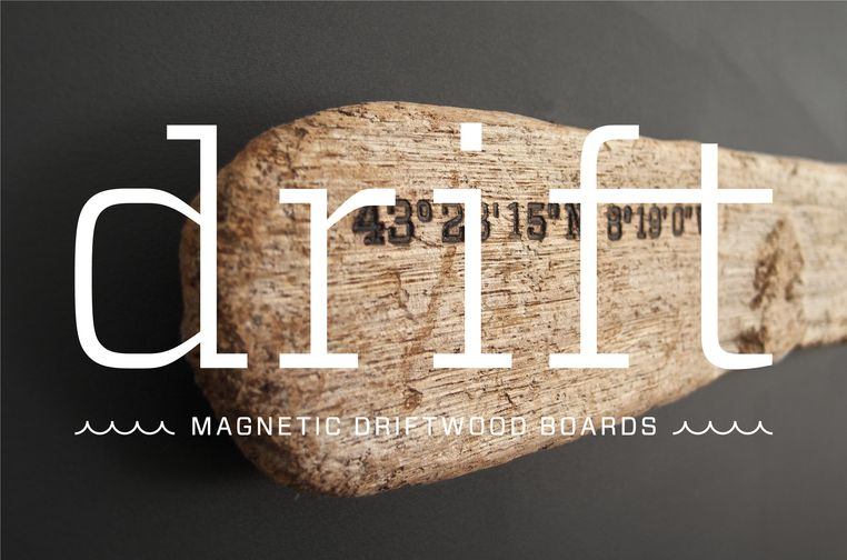 Magnetic Driftwood Board found on the beach. To use as a magnetic board for keys, knives, photos or pictures.